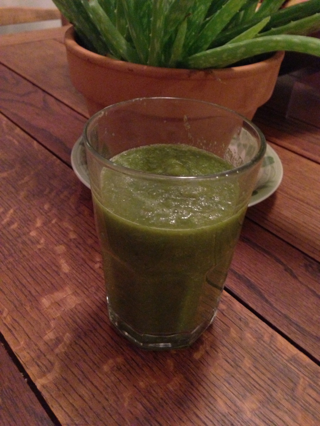Romaine, Cilantro, Apple, Lemon Smoothie