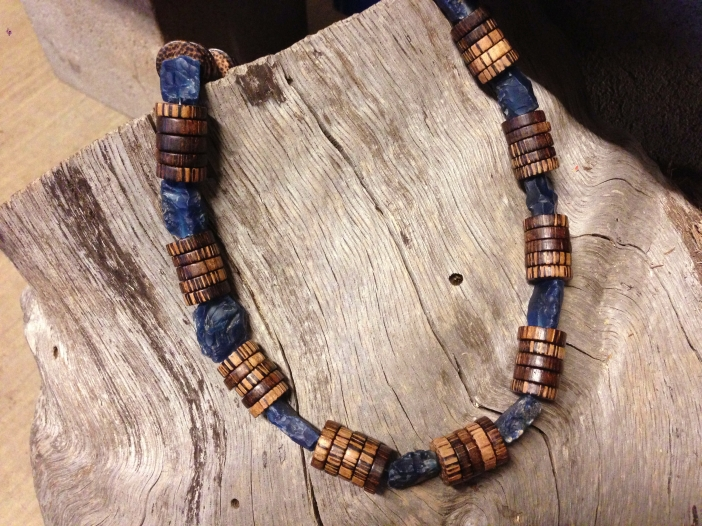 Hammered Denim Blue Agate and Patikan Necklace